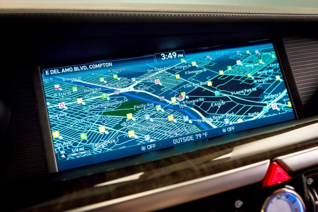 Genesis G90 navigation