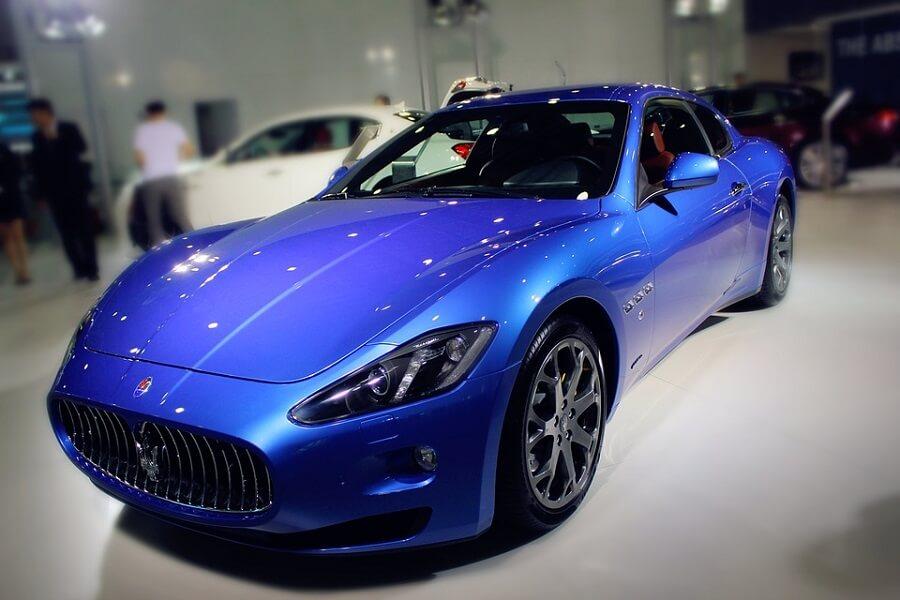 Sports car luxury car market
