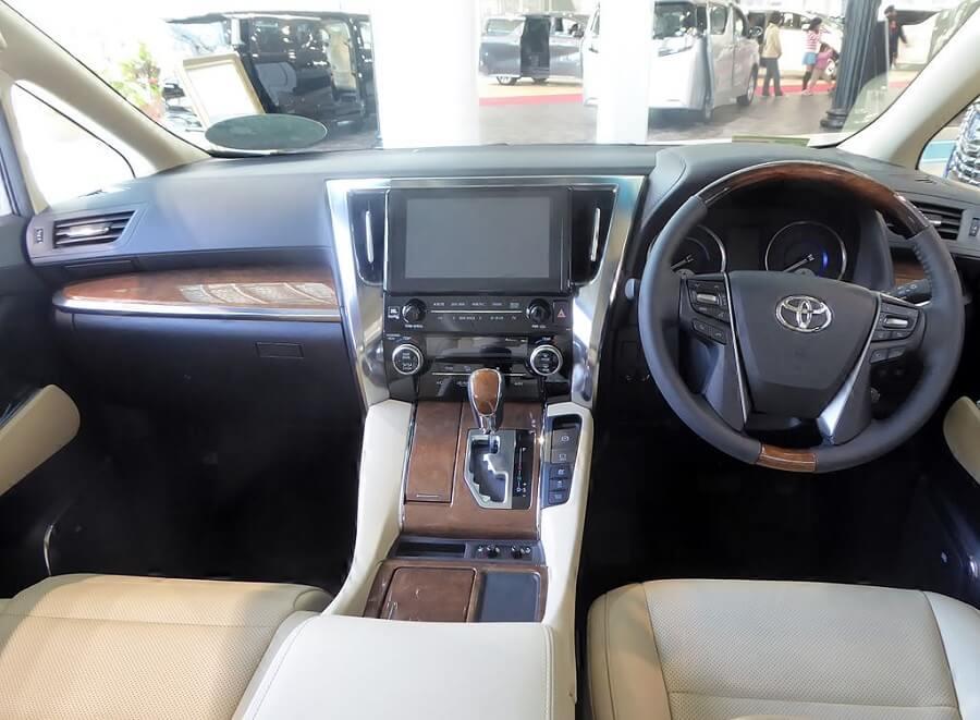 Toyota Alphard Interior luxury MPV