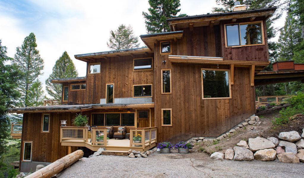 A TETON TREE HOUSE in Jackson Hole, Wyoming