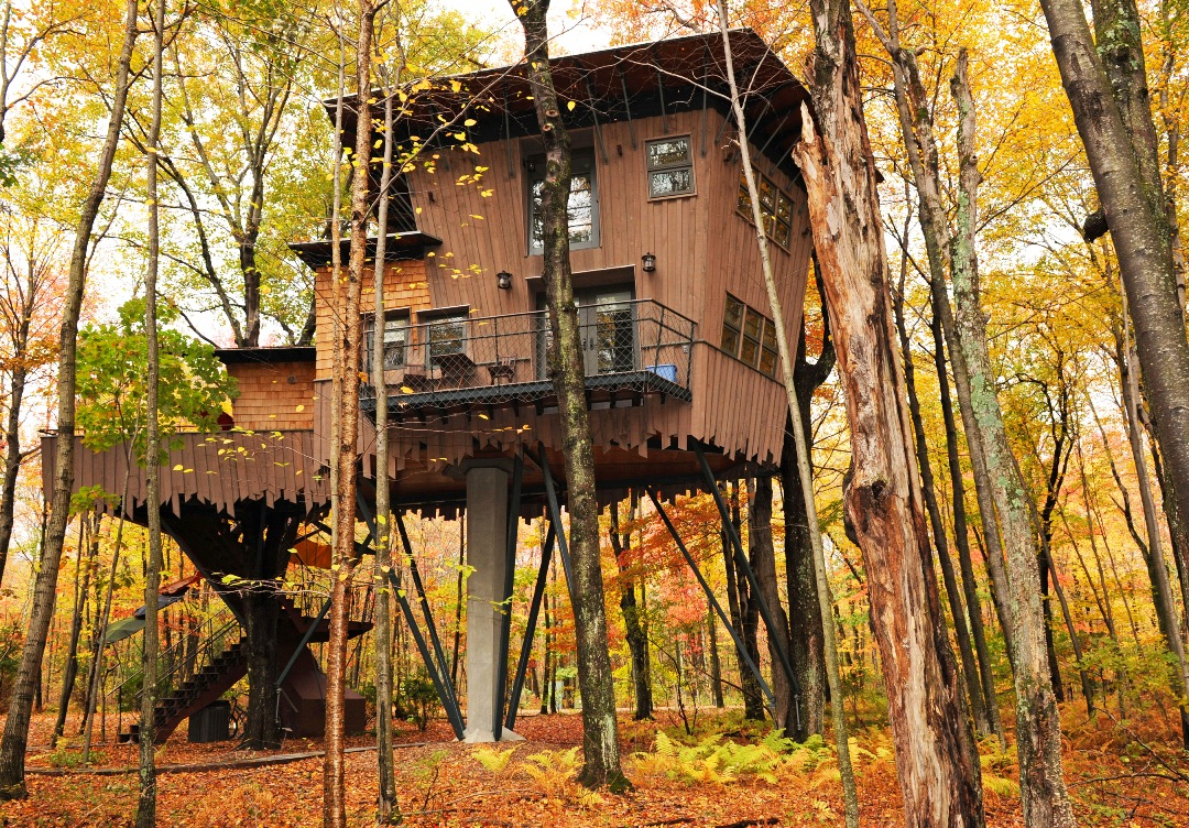 THE TREEHOUSE AT WINVIAN FARM in Litchfield Hills, Connecticut.