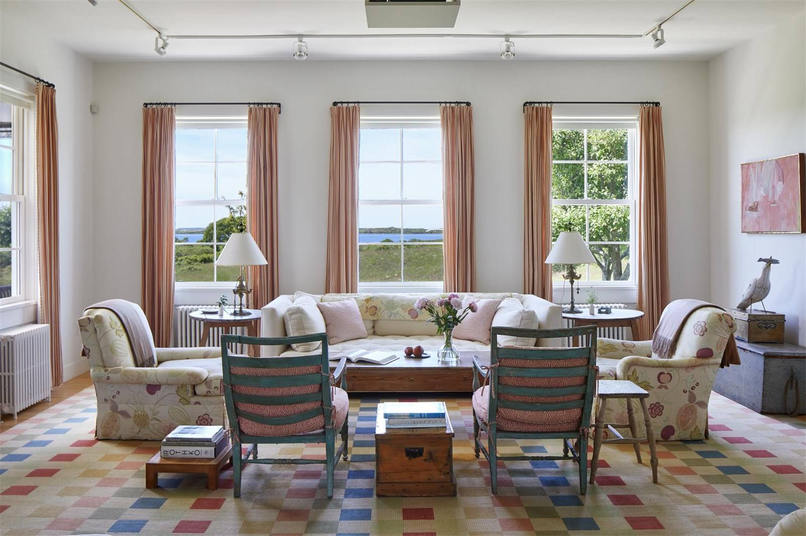 martha's vineyard, jackie kennedy onassis, real estate overview, shoreline, dunes, inside living area