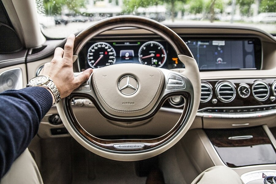 3 Luxury Interior Car Accessories to Pimp Your Ride