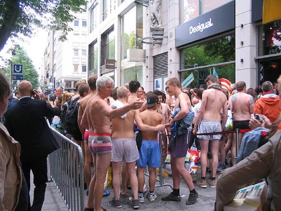 Desigual clothing sale parties