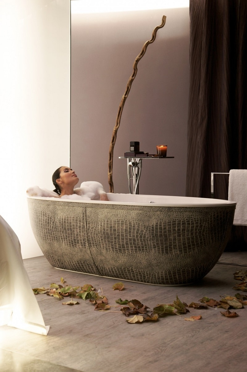 These Luxury Bathtubs Will Instantly Give Your Bathroom A