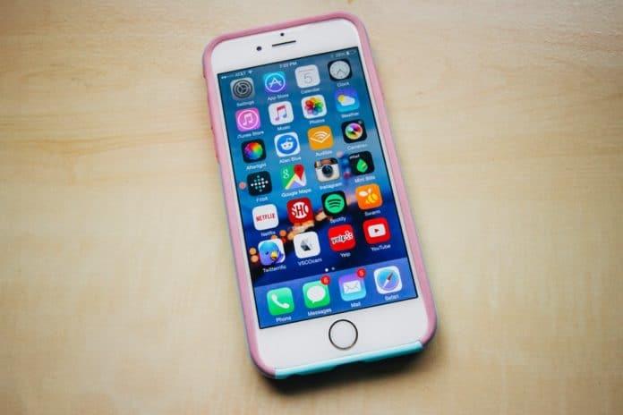 Apple, Iphone, smart phone, font, typeface, luxury tech, luxury technology, technology, phone, device