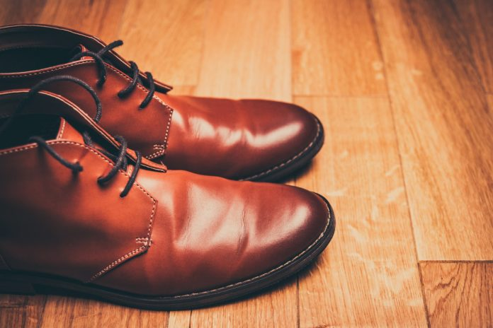how to clean shoes, how to clean your shoes, shoe cleaning, shoe cleaning tips, shoe cleaning tricks