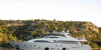 custom line 112 next yacht, custom line 112 yacht review, custom line 112, custom line 112 review, custom line yacht review