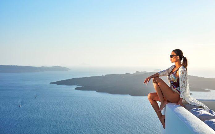 Cosmopolitan Suites Santorini, Cosmo Suites, the Cosmopolitan Suites, Cosmopolitan Villas, Cosmopolitan Suites Hotel, Cosmpolitan Greece.
