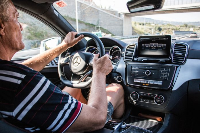 best gps holder, gps car mount, gps holder, top gps holder, sturdy gps holder