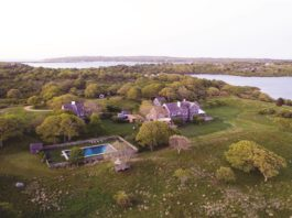martha's vineyard, jackie kennedy onassis, real estate